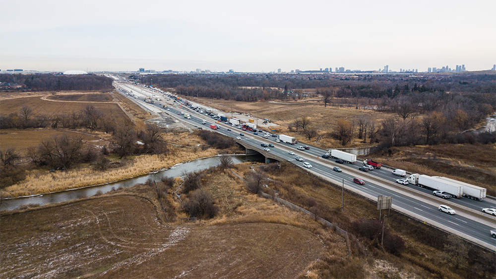 Aerial view of Highway 401 at Credit River