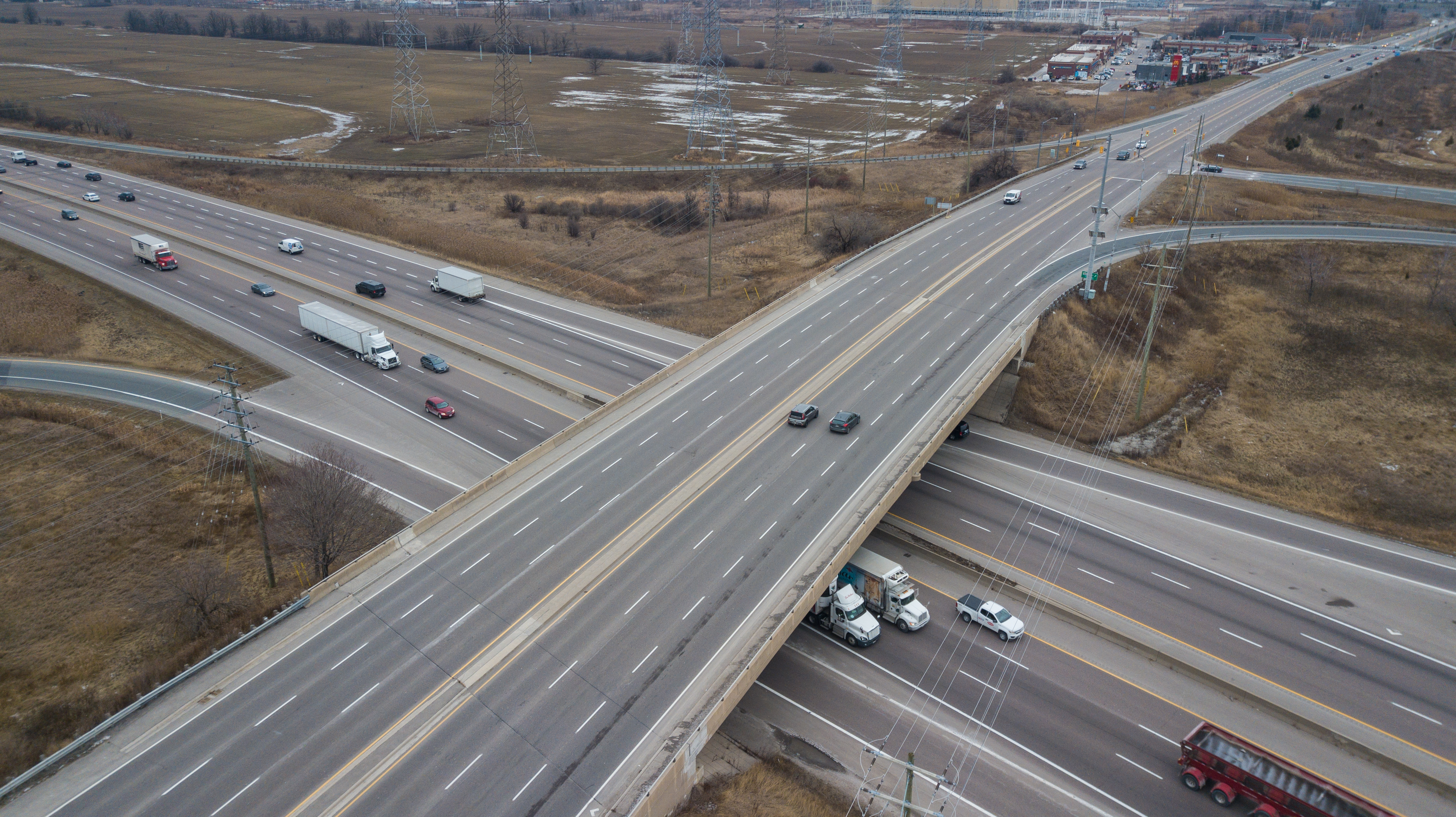 Aerial view of Highway 401 at James Snow Parkway Bridge southbound